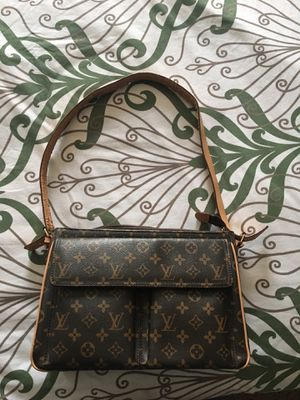 Louis Vuitton bag for Sale in Powell, OH