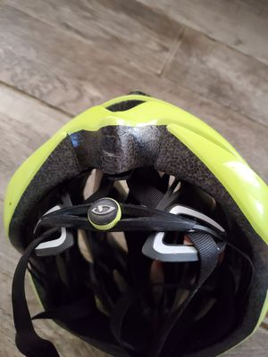 Giro Racing Mens Bike Helmet with quick Adjustable settings for Sale in Ocean Shores, WA