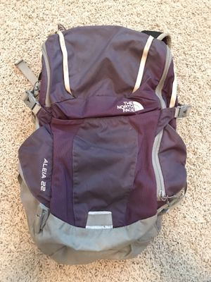 North Face Backpack - 22L for Sale in Granite Bay, CA