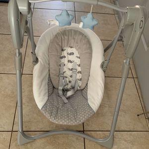 Baby Swing for Sale in Bell Gardens, CA