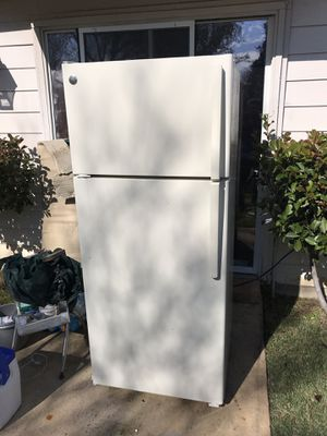 Ge refrigerator for Sale in Dallas, TX