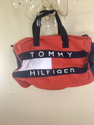 Tommy weekend bag for Sale in Bolingbrook, IL