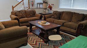Entire living room set for Sale in Ashburn, VA