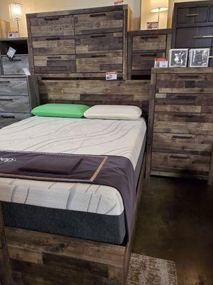 Multi Gray Queen Bed Frame for Sale in Garden Grove, CA