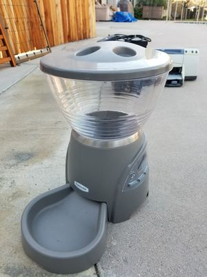 Petmate Automatic Pet Feeder for Sale in Los Angeles, CA