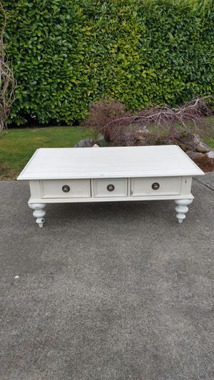 COFFEE TABLE & 3 Drawers ★ ANTIQUE WHITE DISTRESSED FINISH ★ BEAUTIFUL PIECE for Sale in SeaTac, WA