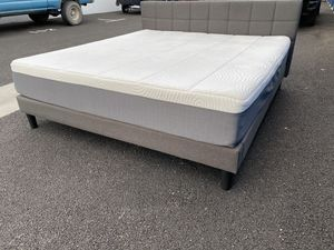 King Size Bed ! Blackstone king size mattress and platform frame ! King Bed ! Memory foam mattress ! Free delivery for Sale in Berkeley, CA