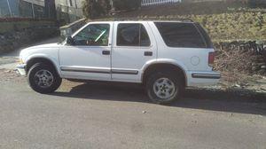 1999 Chevy Blazer 4x4 for Sale in Methuen, MA