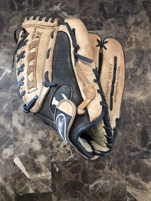 "Louisville Slugger DYX1250 Dynasty Series TPX 12-1/2"" Leather Baseball Glove for Sale in West Dundee, IL"