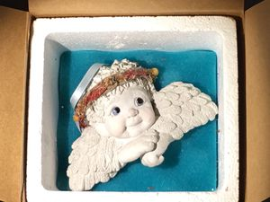 """CERAMIC ANGEL NEW IN BOX AND SIGNED BY MAKER 5"""" WIDE. Ready to hang or add a magnet for Sale in Guadalupe, AZ"""