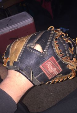 Rawlings catchers glove great condition ready to use for Sale in Franklin,  IN