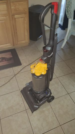 Dyson DC33 vacuum for Sale in Stone Mountain, GA