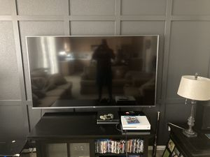 75 inch tcl 75r615 series 6 4k tv for Sale in Fresno, CA