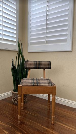 Mid century lumbar chair -Antique for Sale in Chula Vista, CA