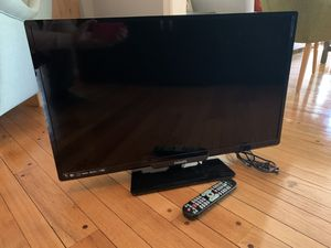 32in Philips TV including remote control for Sale in Damascus, MD