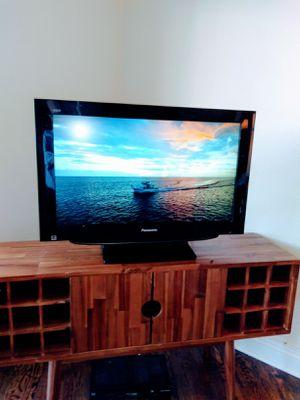 Panasonic TV 32 inch for Sale in Pasadena, CA