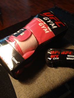 Brand New Worn Once Hot Pink Ladies Boxing Gloves! $50 for Sale in Huntington Beach,  CA