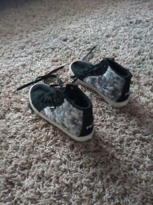 Girls fila shoes size 3.5 for Sale in Mesa, AZ