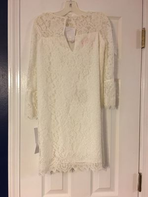 Gorgeous laced flower girl dress. Never worn for Sale in Pleasant View, TN