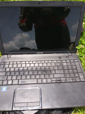 Toshiba laptop for Sale in Fairview Park, OH