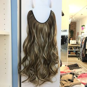 """24"""" Fish line band halo hair extensions for Sale in Brooklyn, NY"""