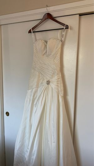 Alfred Angelo wedding dress for Sale in Stockton, CA