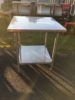 32 x 32 x 36 Stainless Table w Stainless Undershelf for Sale in Wellsville, PA