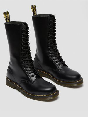 Dr. Martens 1914 smooth leather tall boots for Sale in La Puente, CA