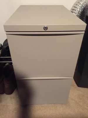 Heavy Duty 2 Drawer File Cabinet with Keys and Wheels for Sale in San Diego, CA