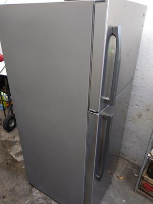 Arctic King refrigerator for Sale in Los Angeles, CA