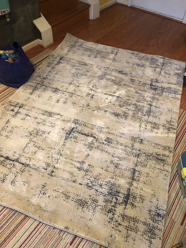 5x8 rug -blue and off white