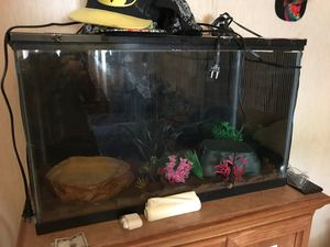 Fish tank for Sale in Shelby Charter Township, MI
