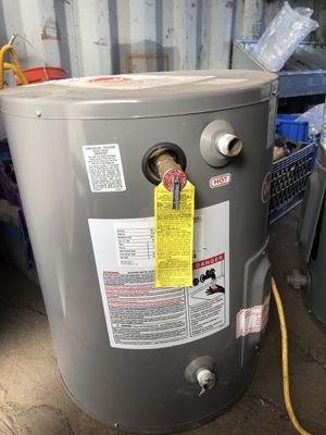 20 gallon water heater for Sale in Stockton, CA