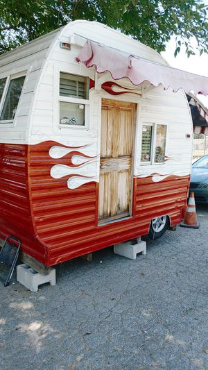 Custom trailer.bar and grill. for Sale in Whittier, CA