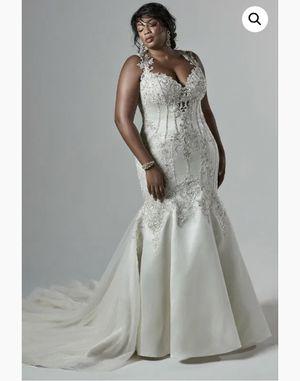 NEVER WORN PLUS SIZE WEDDING DRESS for Sale in Gainesville, VA