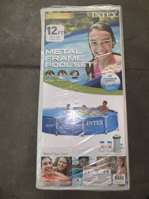 Intex frame 12x30 pool. Includes pump and filter. for Sale in Chagrin Falls, OH