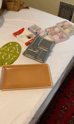 Household kitchen items cupcake set, gelled fuel capsules, filters,platter take all $10 for Sale in Beverly Hills, CA