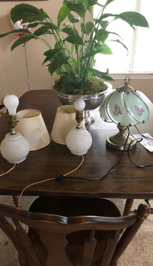 Free lamps for Sale in Fresno, CA