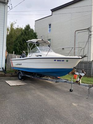 Trophy boat 18.6 ft for Sale in Waterbury, CT