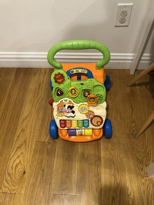 Free Fisher price Vtech learning walker for Sale in Jersey City, NJ