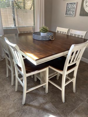 Dining table and six chairs for Sale in Gilbert, AZ