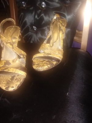Cute heels- sandals size 8 for Sale in North County, MO