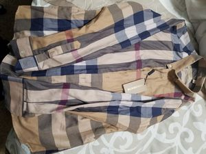 Real L burberry L polo for Sale in Berenda, CA