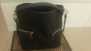 Louis Vuitton bag for Sale in Killeen, TX