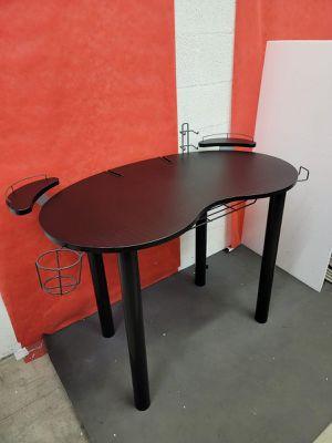 Gaming desk L40.5x W22x H30 for Sale in Las Vegas, NV