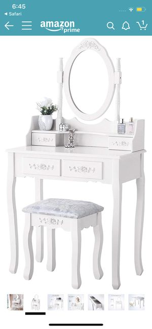 Makeup vanity for Sale in Lowell, MA