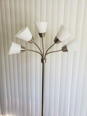 5 head floor lamp lights for Sale in San Jose, CA