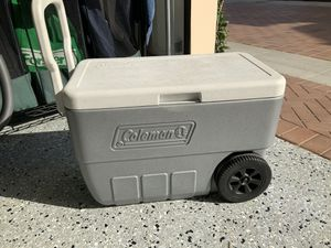 Coleman Rolling Cooler for Sale in Irvine, CA