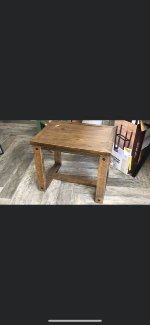 Wood End Table for Sale in Glendale, AZ