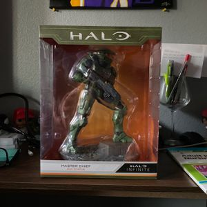 Halo Infinite Master Chief Collectible Statue for Sale in Norwalk, CA
